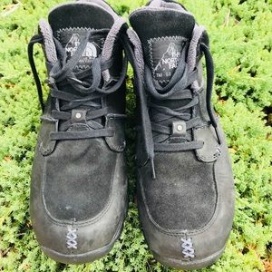 The North Face TNF-68 waterproof black sz. 10.5